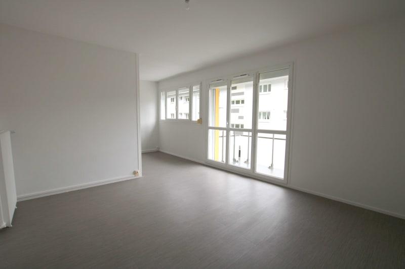 Appartement T4 à louer à Rives en Seine, proche du collège - Image 2