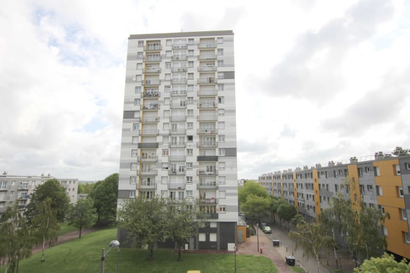Appartement T2 à louer avec vue sur le quartier de caucriauville au Havre - Image 1
