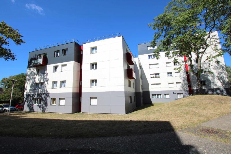 F4 à Petit-Couronne dans un quartier résidentiel - Image 1