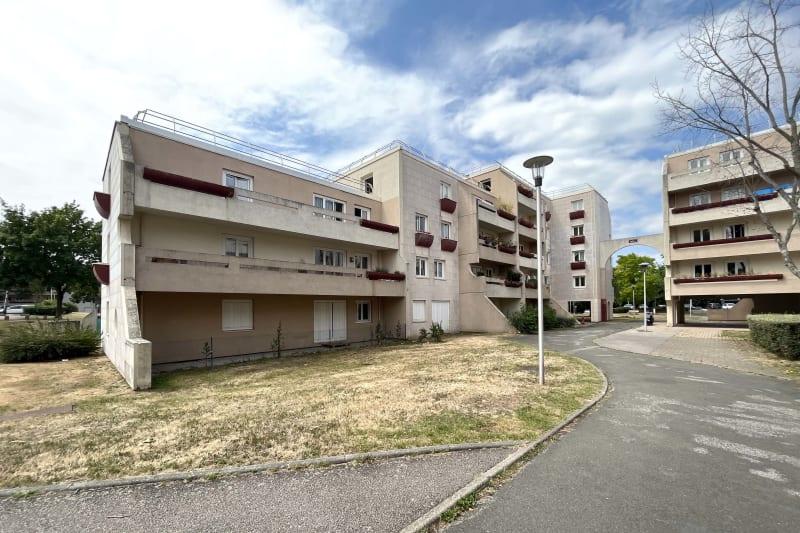 F2 avec 2 balcons à St-Aubin-les-Elbeuf - Image 1