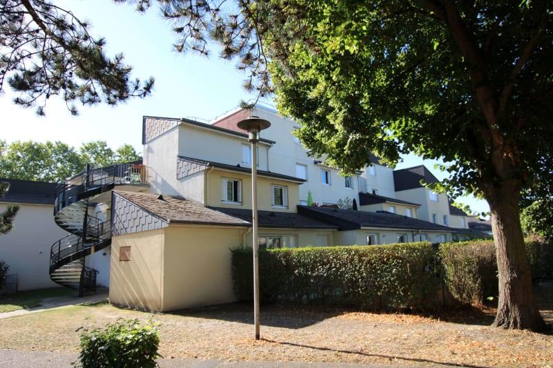 Appartement lumineux proche du Complexe sportif à St Etienne du Rouvray - Image 2