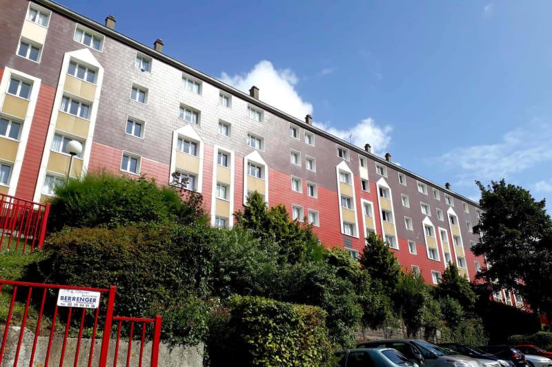 Appartement T1 à louer à Saint-Valéry-en-Caux avec vue sur port - Image 1