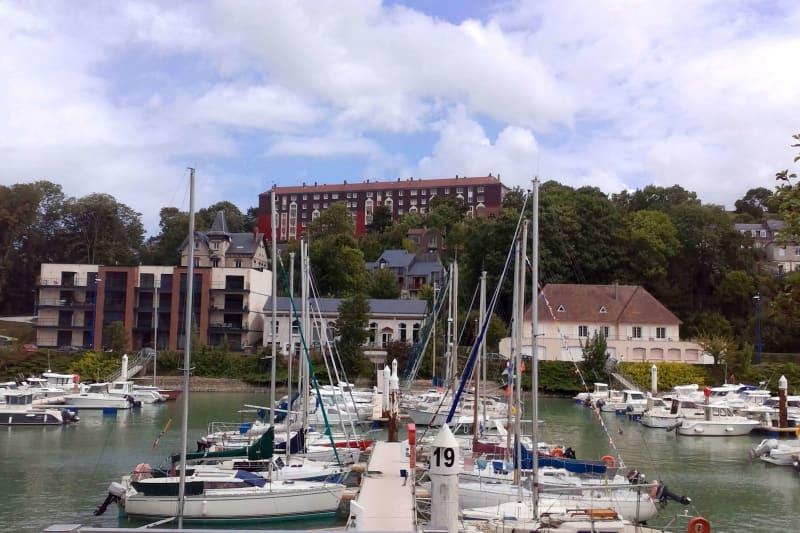 Appartement T1 à louer à Saint-Valéry-en-Caux avec vue sur port - Image 2